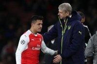 Alexis và Ozil chưa được gia hạn hợp đồng