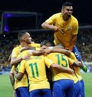 Brazil trở lại vị trí số 1 thế giới