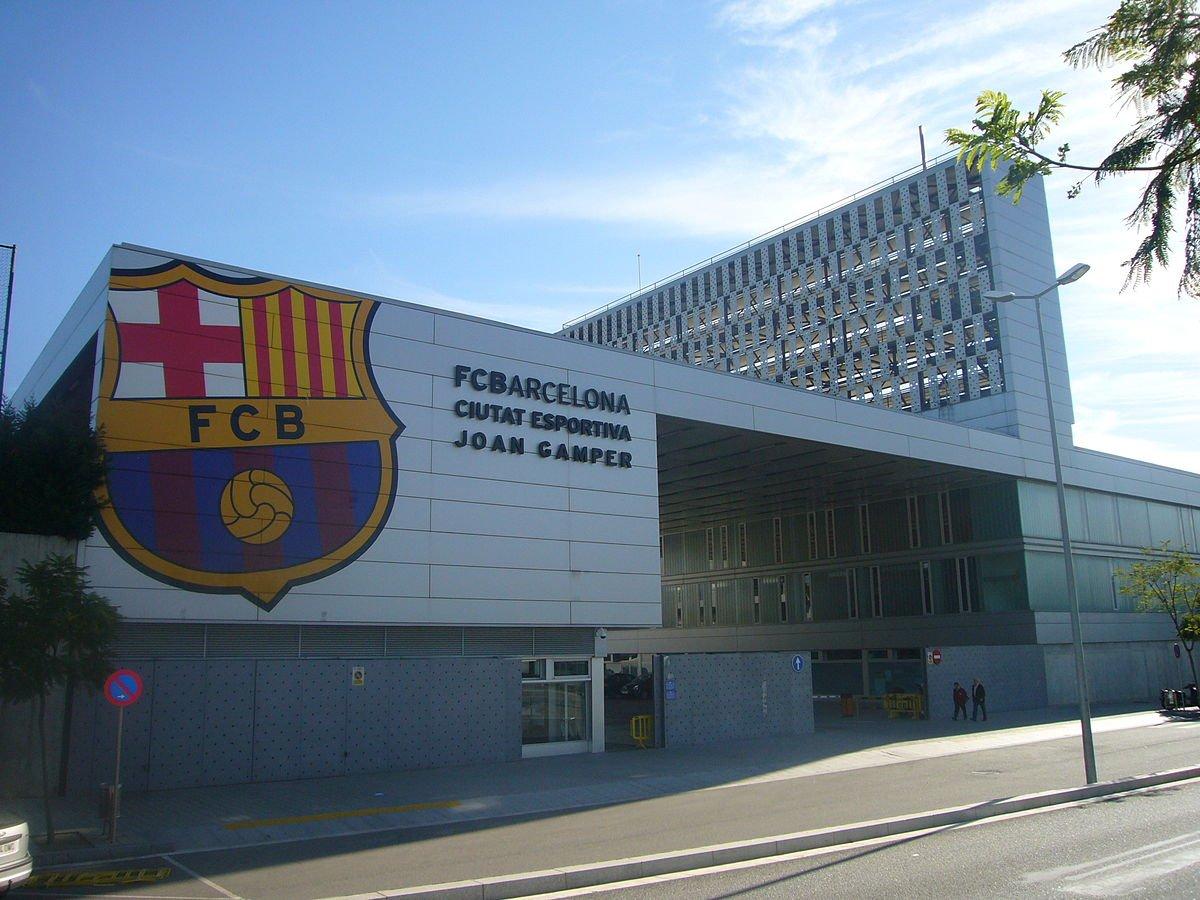 Tổ hợp Ciutat Esportiva sẽ có sân mang tên Johan Cruyff