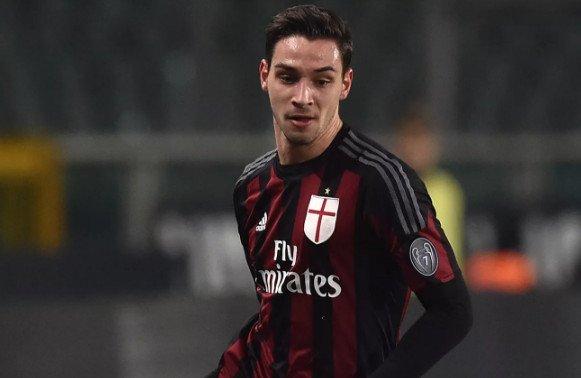 HLV Max Allegri muốn đưa De Sciglio về Juventus