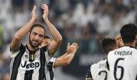 Higuain cảnh báo Juventus về khả năng tạo ra phép lạ của Barca
