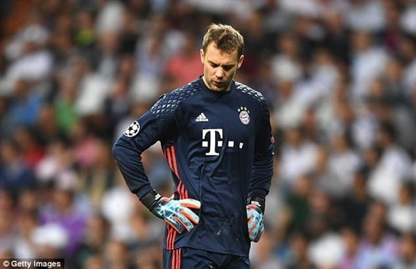 Neuer phải nghỉ hết mùa giải vì chấn thương