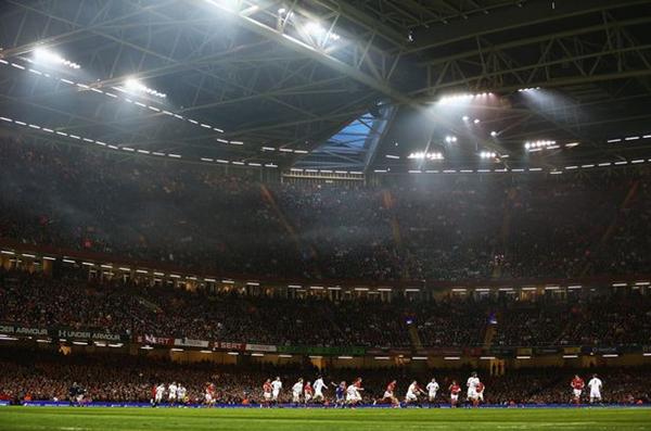 Trận chung kết Champions League lần đầu tiên có thể diễn ra dưới mái che