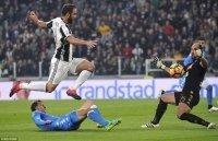 01h45 ngày 03/04, Napoli - Juventus: Thêm đau vì Gonzalo Higuain