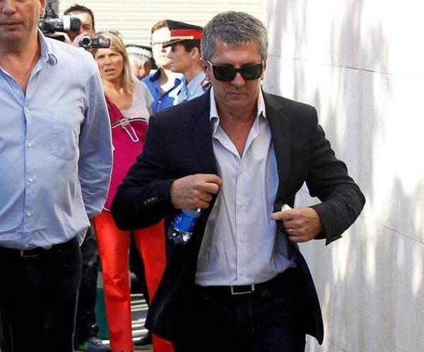 Cha và là người đại diện của Messi, ông Jorge xuất hiện ở Barcelona