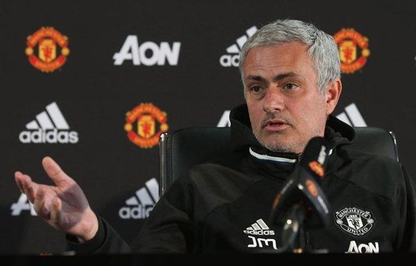 Mục tiêu giúp M.U kéo dài chuỗi bất bại của Mourinho là không đủ đáp lại kỳ vọng của giới hâm mộ