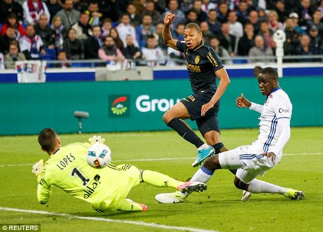 Kylian Mbappe nâng tỉ số lên 2-0 cho Monaco
