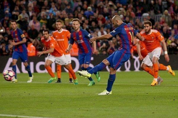 Barcelona là CLB đầu tiên vượt qua cột mốc ghi 100 bàn ở mùa giải năm nay
