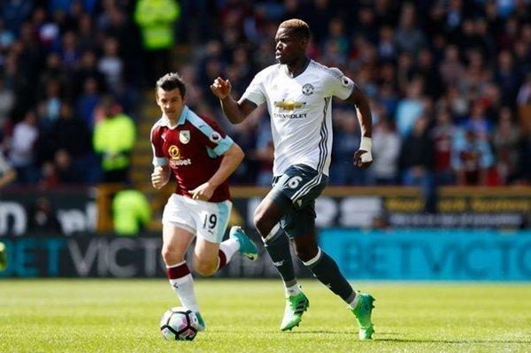 Mourinho xác nhận Pogba phải làm khán giả ở trận derby Manchester