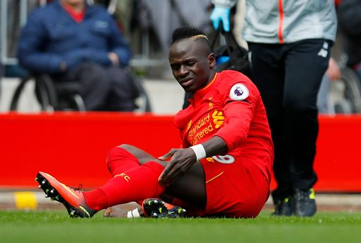 Mane trong trận derby với Everton