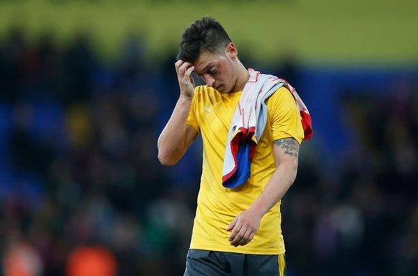 """Arsenal sẵn sàng bán Mesut Ozil để phục vụ cho kế hoạch """"đại phẫu"""""""
