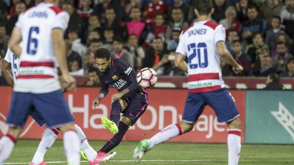 Neymar chỉ mất 178 trận để ghi 100 bàn cho Barca