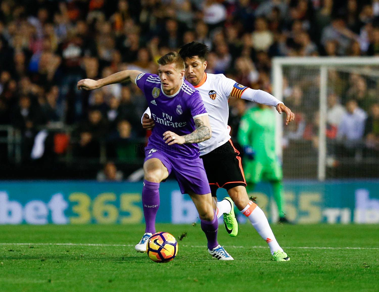 Real Madrid quyết đòi nợ Valencia để duy trì bám đuổi Barcelona