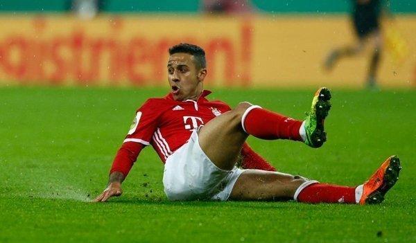 Thiago Alcantara ở lại Bayern Munich cho đến năm 2021