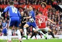 Fan Chelsea nổi đóa vì sai lầm của trọng tài giúp M.U chiến thắng