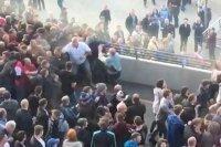 Fan Arsenal và Man City ẩu đả hỗn loạn bên ngoài Wembley