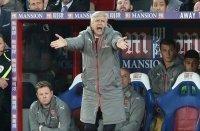 """Arsenal lên kế hoạch """"đại phẫu"""" trong mùa hè"""