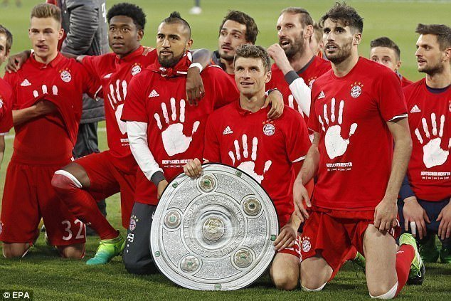 Hủy diệt Wolfsburg, Bayern Munich vô địch sớm 3 vòng đấu