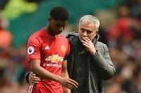 Mourinho xô đổ kỷ lục bất bại của Sir Alex Ferguson