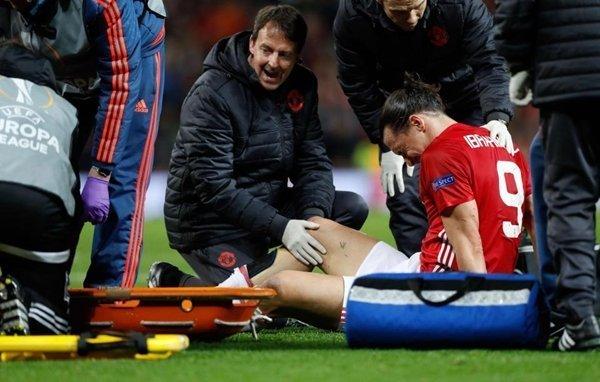 M.U từ chối gia hạn hợp đồng sau khi Ibrahimovic dính chấn thương dài hạn