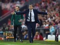 Valverde mở cánh cửa gia nhập Barcelona