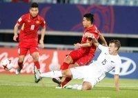 """HLV Hoàng Anh Tuấn hài lòng với 1 điểm, không nghĩ trọng tài """"cướp"""" penalty"""