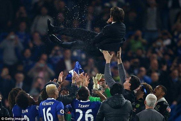 Sự điều chỉnh về chiến thuật của Antonio Conte giúp Chelsea hồi sinh mạnh mẽ để đi tới chức vô địch
