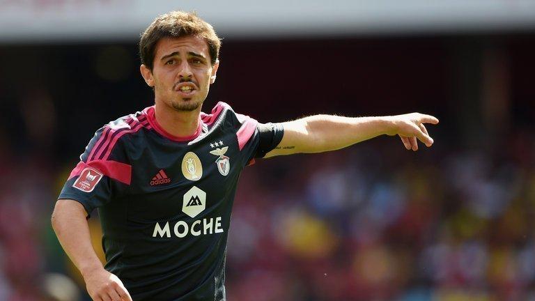 Silva khi khoác áo Benfica