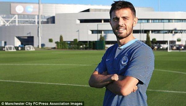 Silva là mẫu tiền vệ đa năng