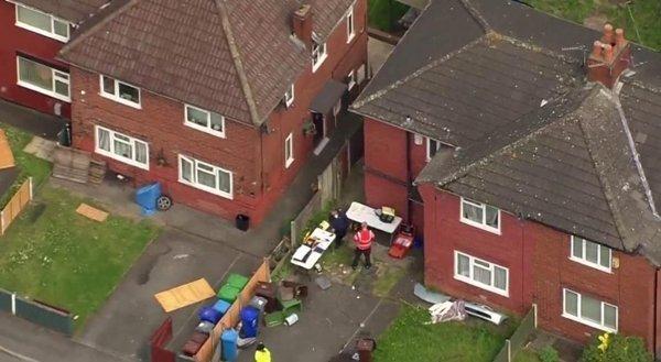Cảnh sát khám xét nơi ở của kẻ tình nghi thực hiện vụ tấn công khủng bố đẫm máu ở Manchester Arena