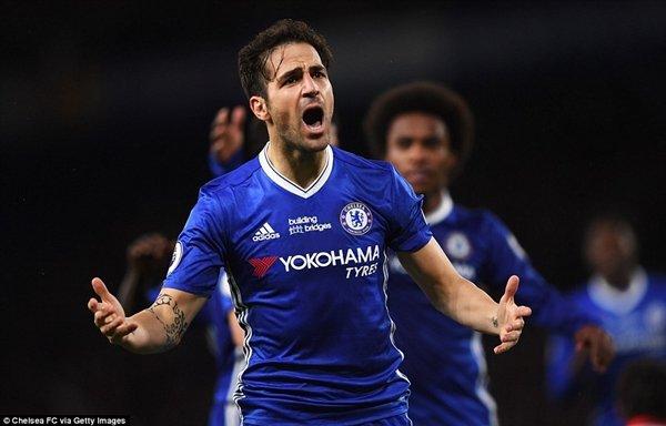 Cầu thủ vào thay người, Cesc Fabregas ghi bàn định đoạt trận đấu ở Stamford Bridge
