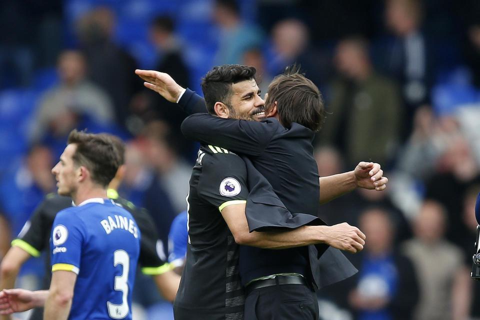 Conte khó giữ được Diego Costa