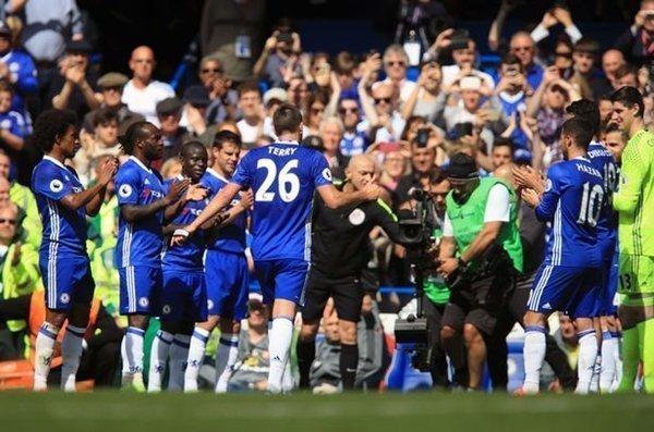 Terry rời sân sau 26 phút thi đấu