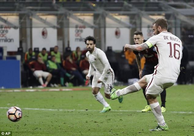 Daniele De Rossi ấn định chiến thắng đậm đà cho Roma