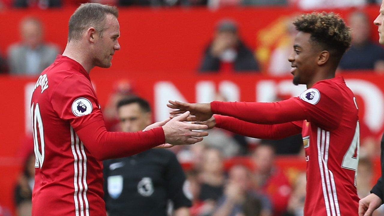 Gomes vào sân thay Rooney