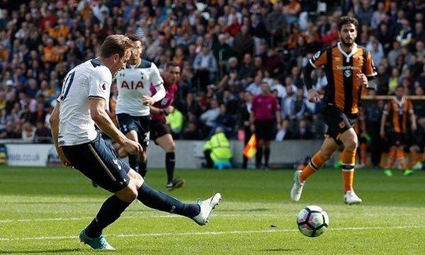 Harry Kane lập hat-trick bàn thắng vào lưới Hull