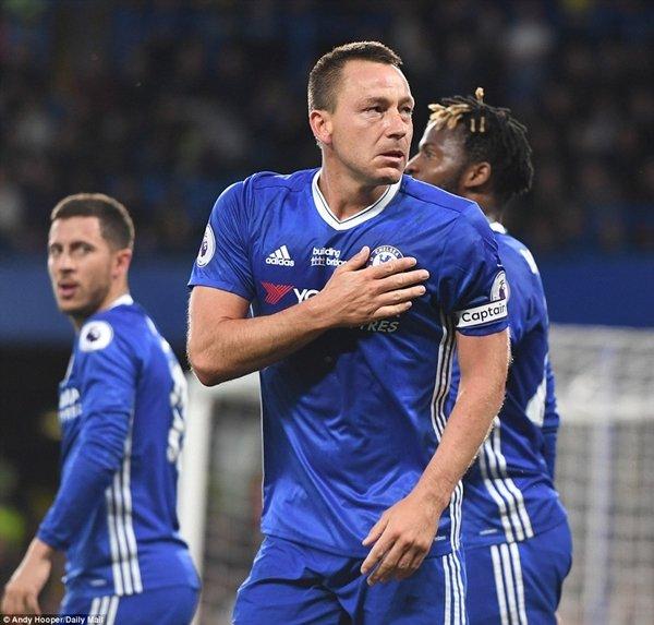John Terry ghi bàn thắng mở tỷ số cho Chelsea