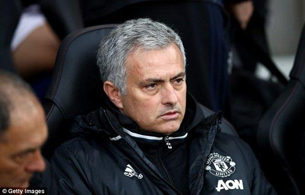 Jose Mourinho lên kế hoạch đầu tư dài hạn cho Quỷ đỏ