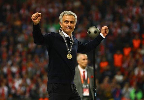 Jose Mourinho là kiến trúc sư giúp M.U đăng quang chức vô địch Europa League