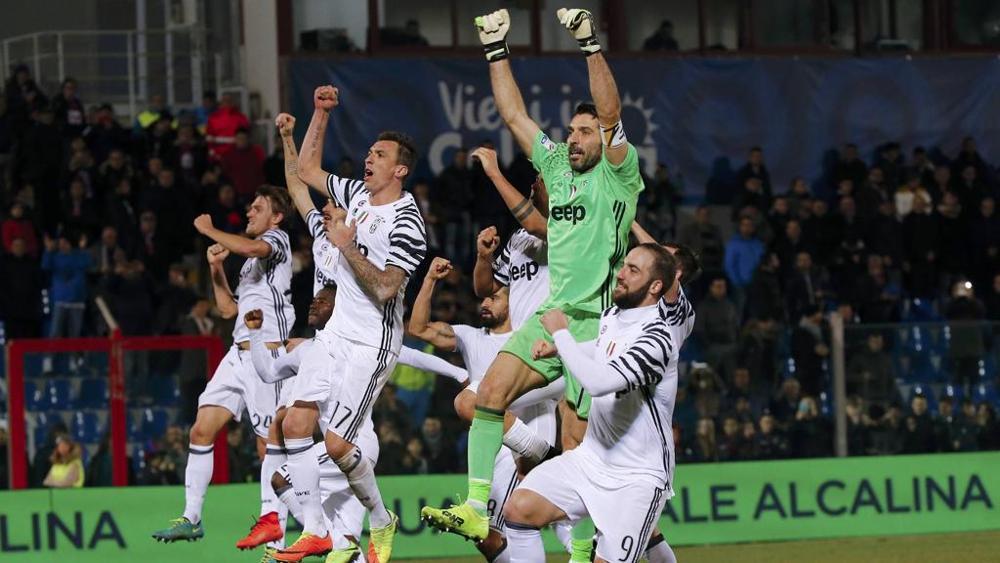 Juventus quyết đánh bại Crotone để lên ngôi vô địch sớm 1 vòng đấu