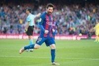 Hé lộ mức lương kỷ lục của Messi tại Barcelona