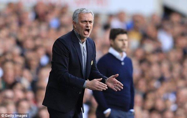 Đoàn quân của HLV Jose Mourinho sẽ bị cắt giảm 38 triệu bảng nếu để thua Ajax tại chung kết Europa League