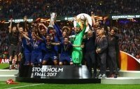 """Các kình địch """"phát sốt"""" vì thu nhập của M.U từ chức vô địch Europa League"""