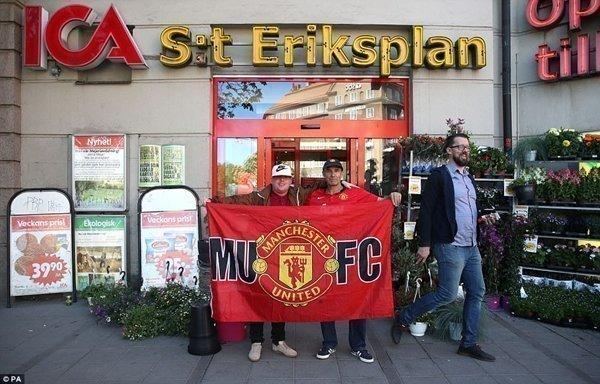Sự hiện diện của fan M.U ở trung tâm thành phố
