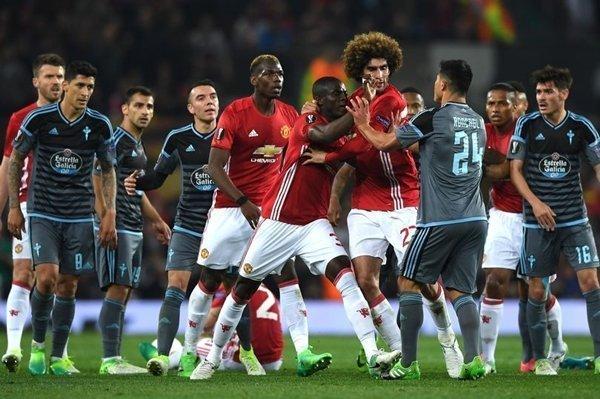 M.U đối mặt với án phạt vì không bảo đảm đúng thời gian khởi tranh trận bán kết lượt về với Celta Vigo tại sân Old Trafford