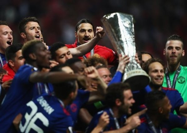 M.U nhận được 5,5 triệu bảng từ chức vô địch Europa League