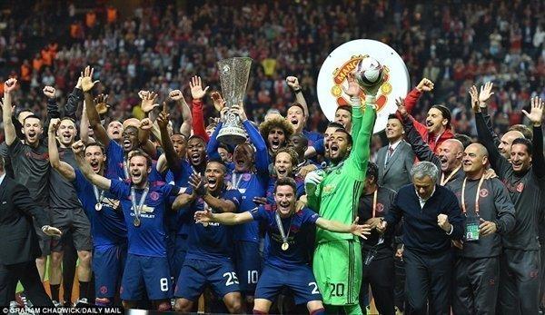 Đánh bại Ajax ở chung kết Europa League, M.U không chỉ có thêm một chức vô địch, mà còn hoàn tất mục tiêu trở lại Champions League mùa tới