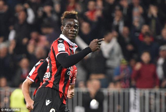 Mario Balotelli ghi bàn giúp Nice hạ đẹp PSG