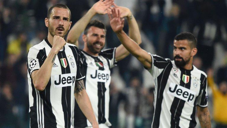 Juventus mới chỉ để lọt lưới 2 bàn tại Champions League