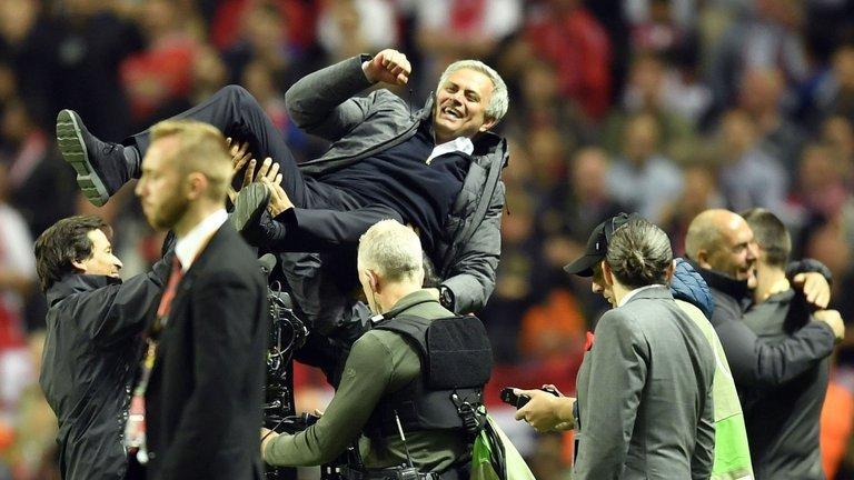 Mourinho sẽ rất đau đầu trong hè